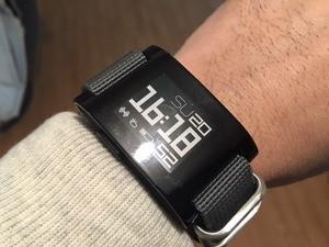 Peeble Smart Watch ファーストモデル3