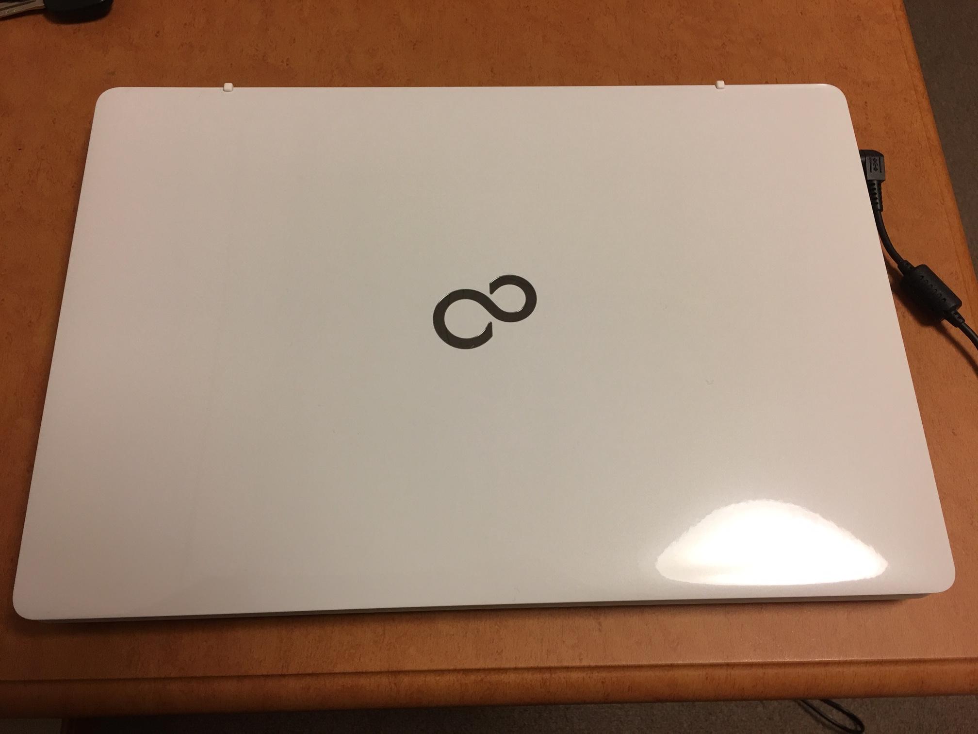 【LIFEBOOK AH77/Yをレビュー】iPhoneとiPadを愛する人間がまさかの国産Windows PCを購入!!