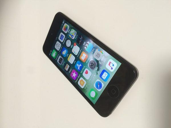 軽く、薄く、スマートに使えるiPod touch6。これがあればスマホはいらない!