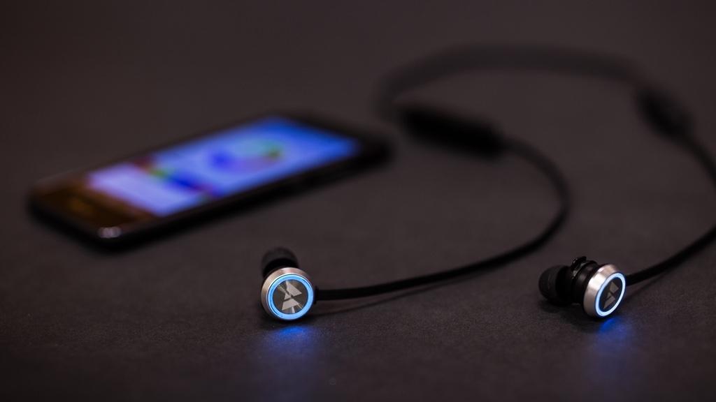 カラーカスタマイズ機能を持ったワイヤレスBluetoothイヤホン「Beam(ビーム)」がカッコいい