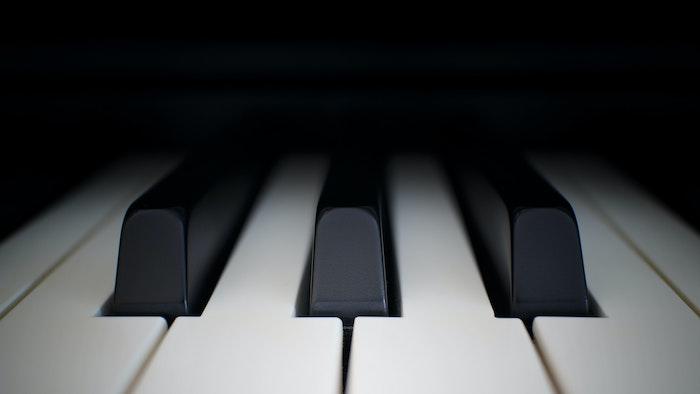 【人間は・・】AIが音楽作成・作曲する時代、そんなツール・アプリ7選!