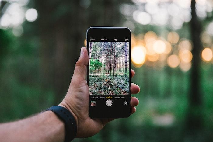 iPhone ダウンロードした画像の保存先はどこになる?