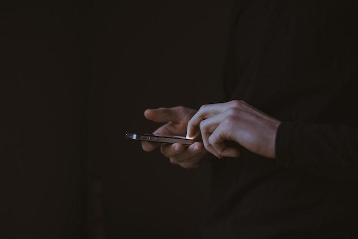 【iPhoneアクセスガイド】他人に特定のアプリ以外を見られないようにする