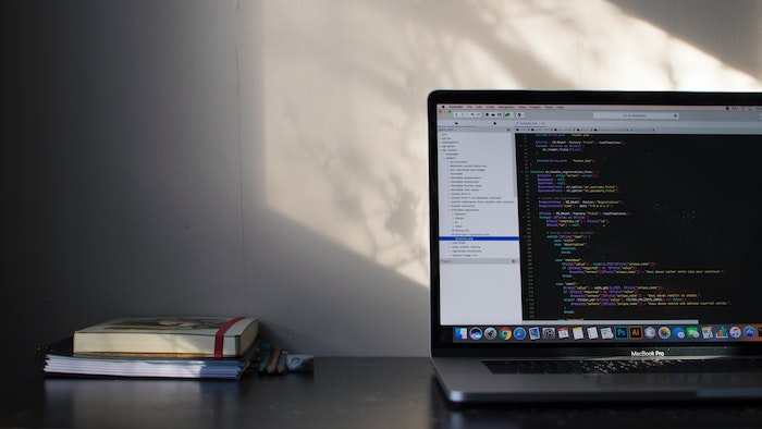 スマホから無料で使えるプログラミング学習アプリ!