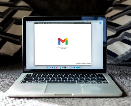 Gmailでメールの振り分け設定を行う方法!【件名・複数条件・ドメイン・解除・・・】